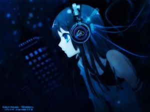 3303_Anime_girl_w__headphones
