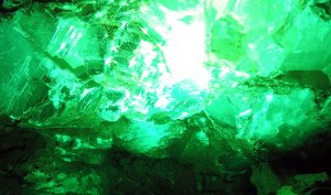 Green_Crystal_by_firefish8
