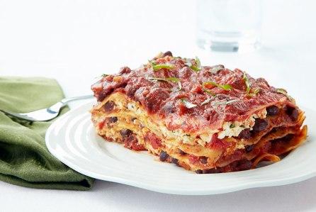 54fe7865b826e-ghk-0913-cheeseless-black-bean-lasagna-xln